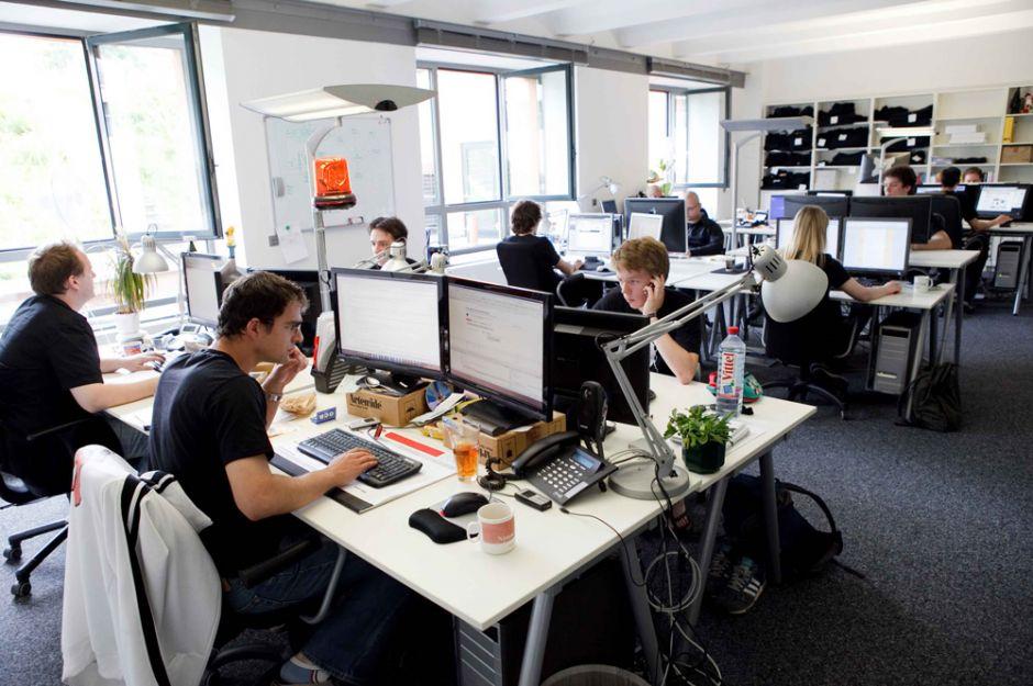 ofis çalışanları ile ilgili görsel sonucu
