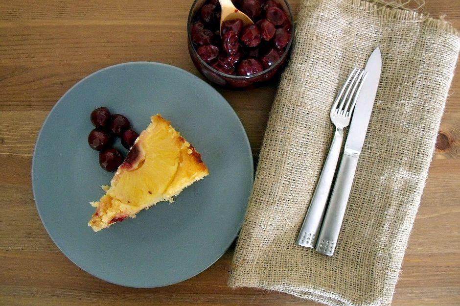 https://yemek.com/tarif/ananasli-kek/ | Ananaslı Ters Yüz Kek Tarifi