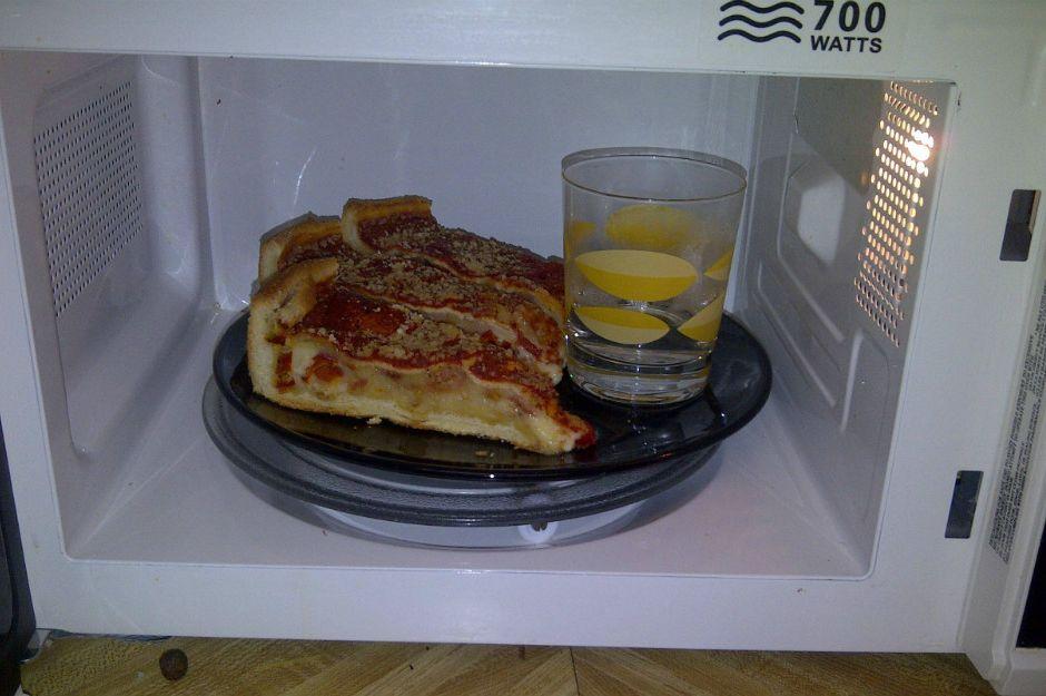 mikrodalga-su-pizza-manset