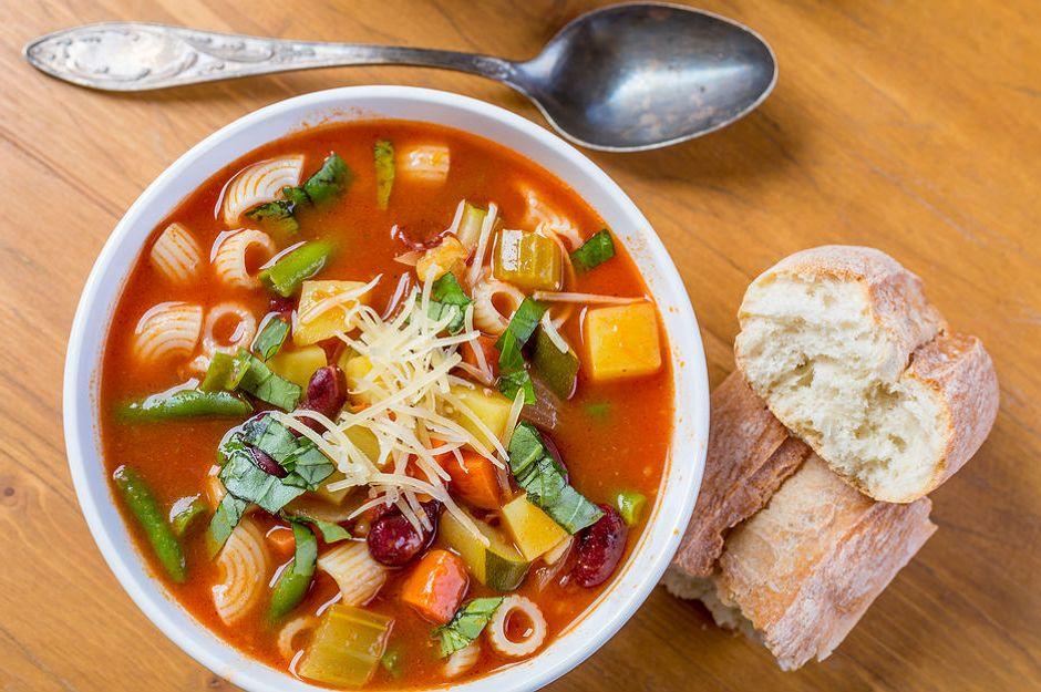 https://yemek.com/tarif/minestrone-corbasi | Minestrone Çorbası Tarifi