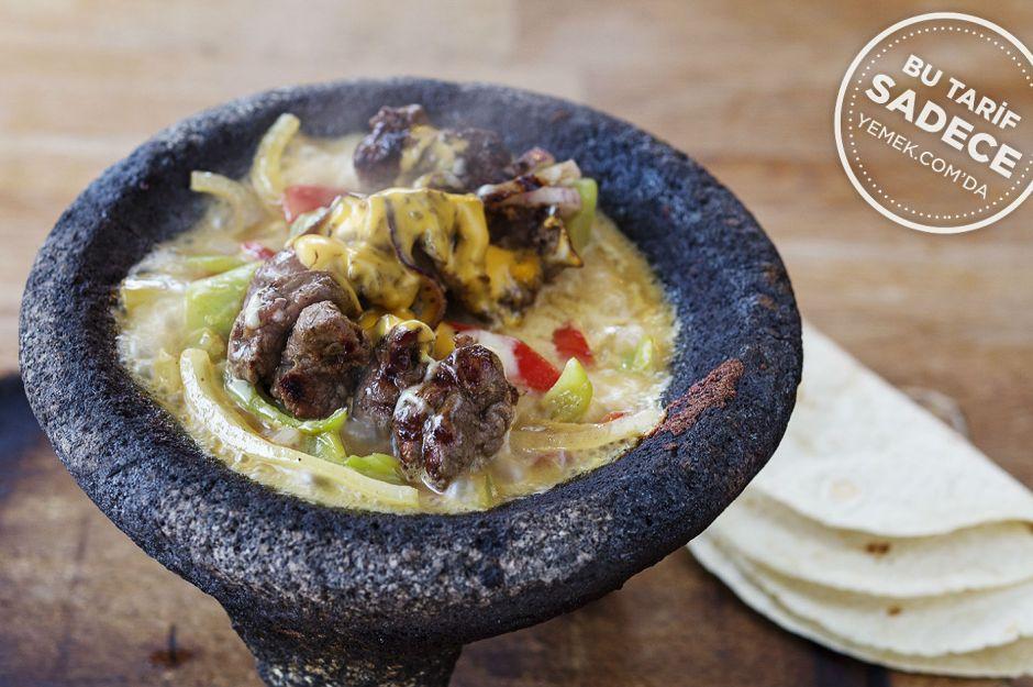 https://yemek.com/tarif/ozgur-sef-steakhouse-sebzeli-saslik/ | Fotoğraf: Özgür Bakır / Özgür Şef Steakhouse Çanak Tarifi
