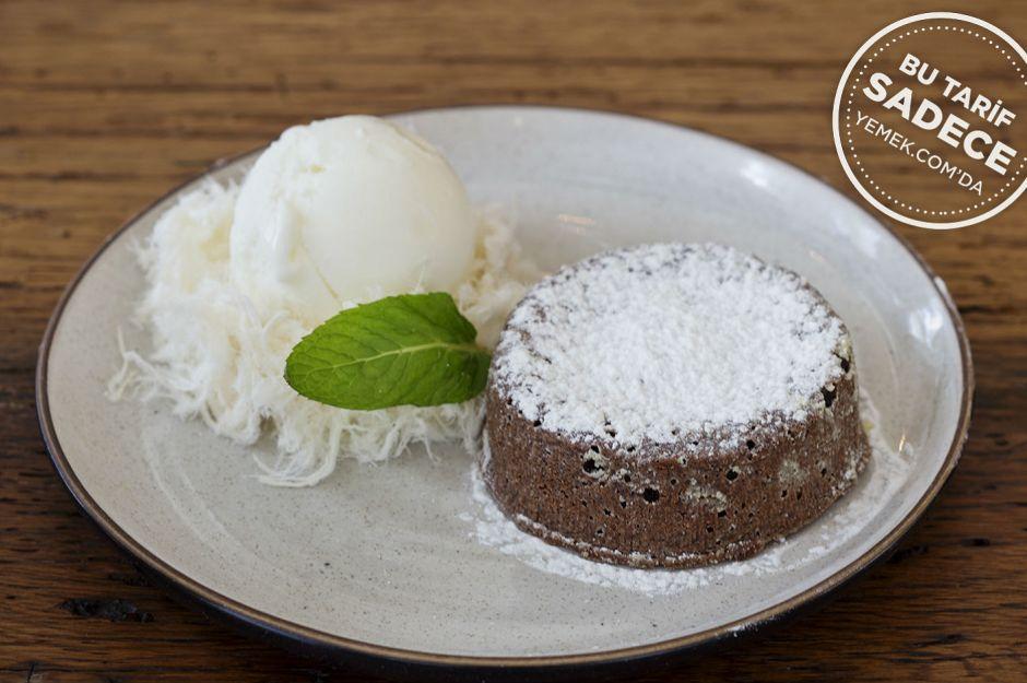https://yemek.com/tarif/go-meso-yapis-yapis-cikolata/ | Fotoğraf: Özgür Bakır / Yapış Yapış Çikolata Tatlısı Tarifi