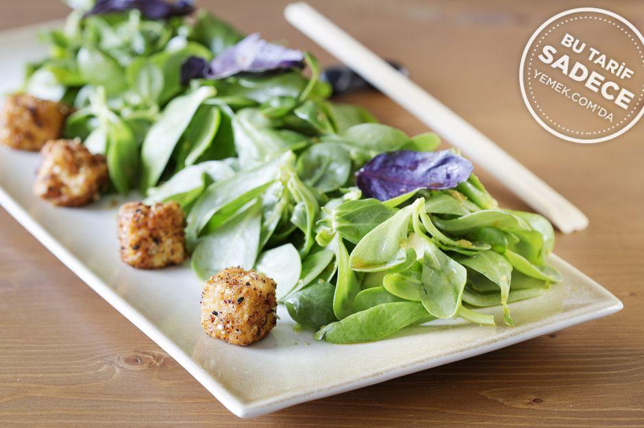 Avokadolu Tofu Salatası