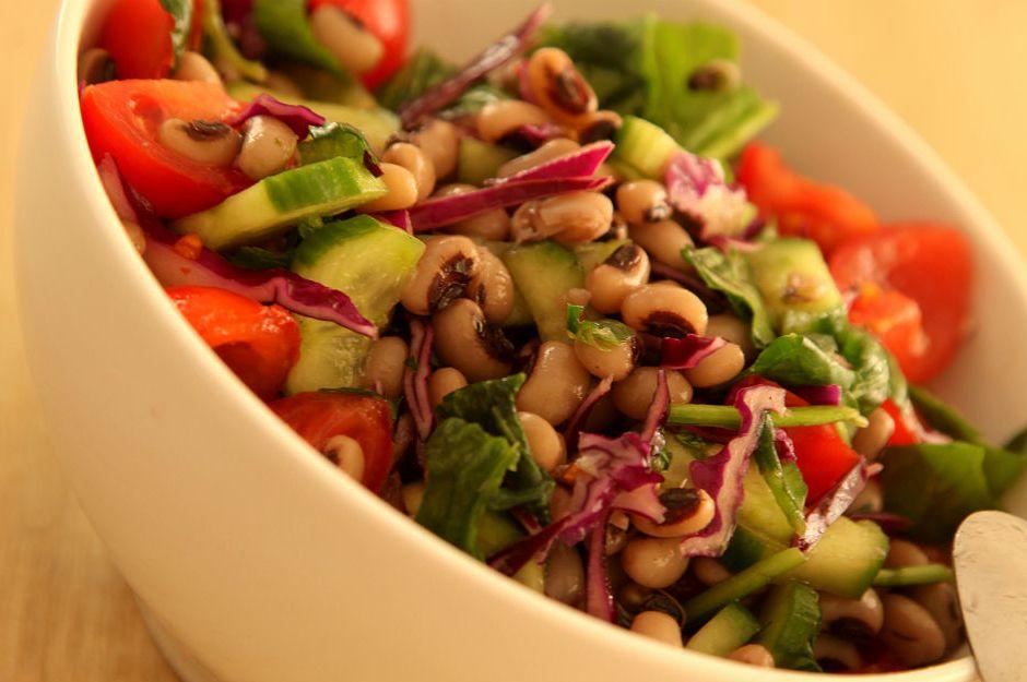 https://yemek.com/tarif/borulce-salatasi/  | Börülce Salatası Tarifi