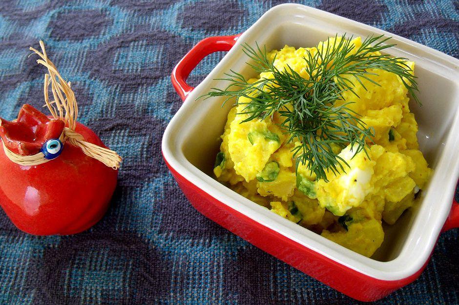 https://yemek.com/tarif/kremali-patates-salatasi/ | Kremalı Patates Salatası Tarifi