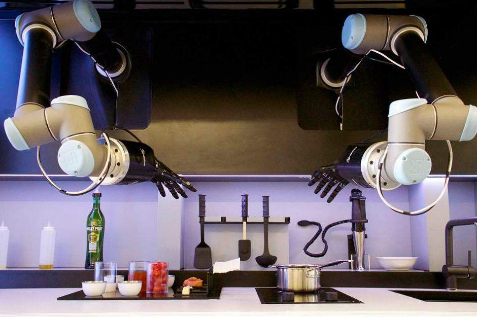 manset-yemek-yapabilen-robot