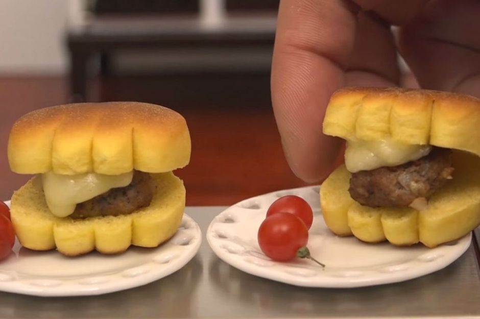 minyatür cheeseburger
