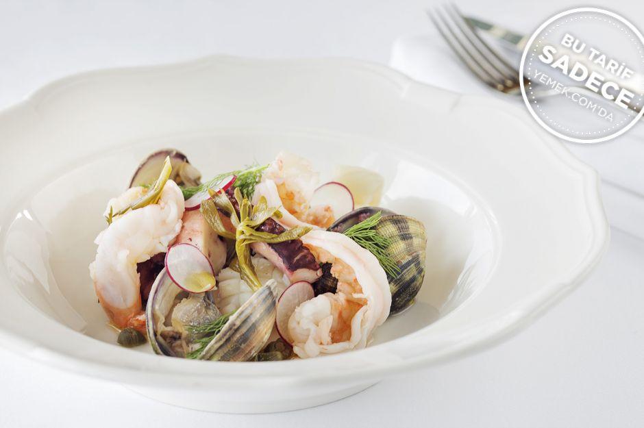 https://yemek.com/tarif/raika-balikci-salatasi/ | Raika Balıkçı Salatası Tarifi