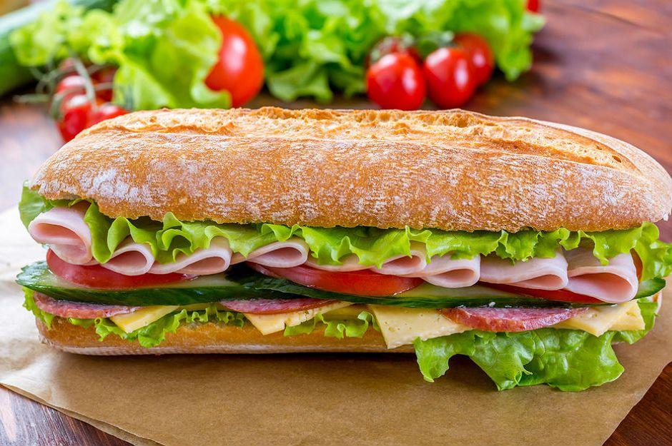 https://yemek.com/ev-yapimi-sandvic-tarifleri/ | Sandviç Tarifleri