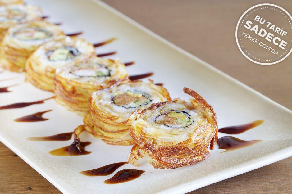 https://yemek.com/tarif/yada-sushi-tornado-crab-roll/ | Fotoğraf: Özgür Bakır / Tornado Crab Roll Sushi Tarifi