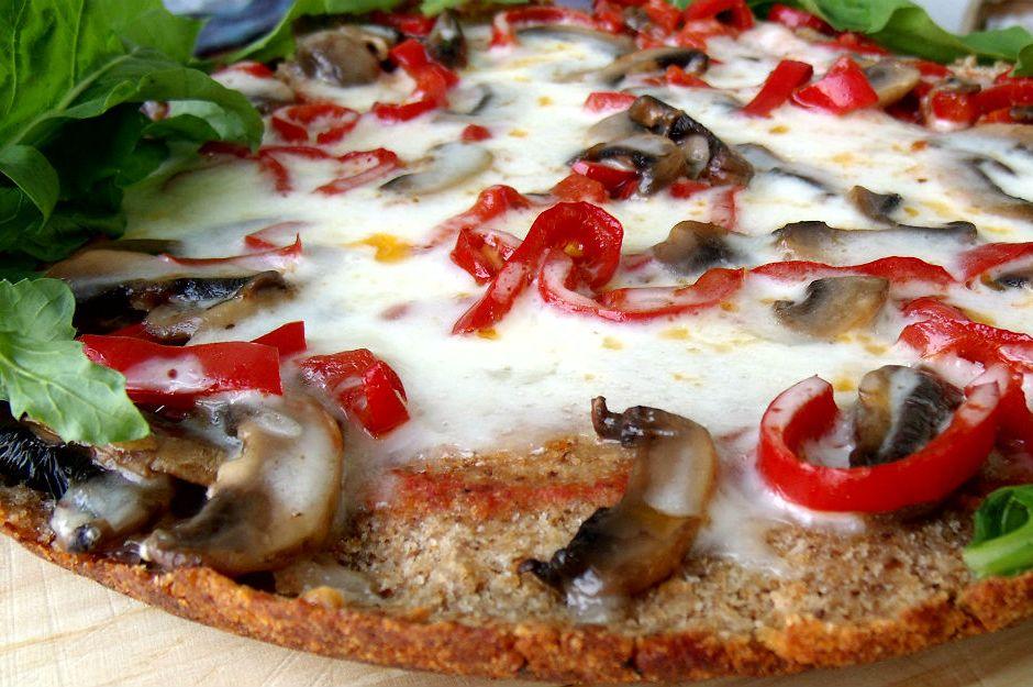 https://yemek.com/tarif/galeta-pizzasi/ | Galeta Pizzası Tarifi