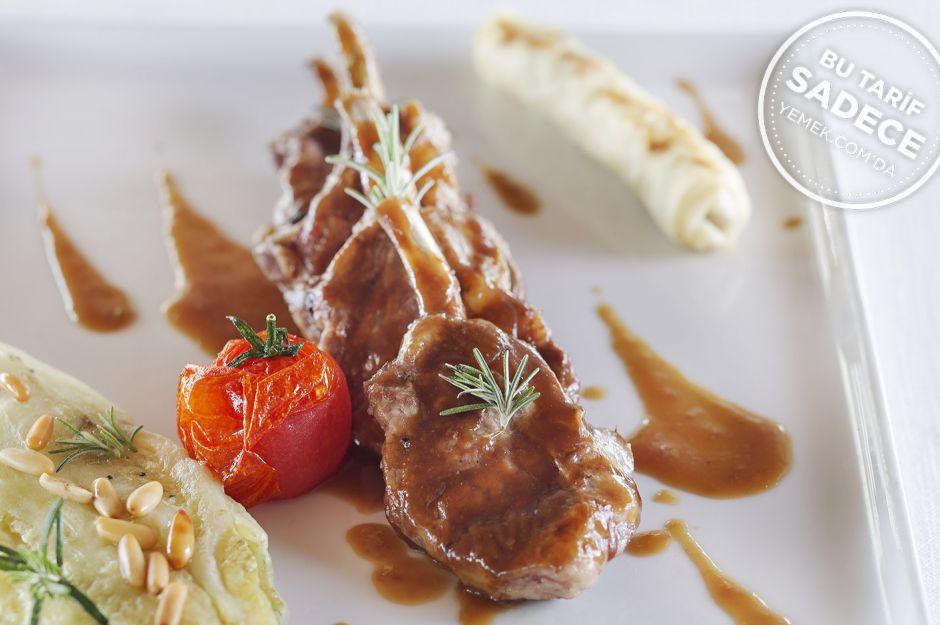 https://yemek.com/tarif/lacivert-restaurant-izgara-kuzu-pirzola/ | Fotoğraf: Özgür Bakır / Lacivert Izgara Kuzu Pirzola