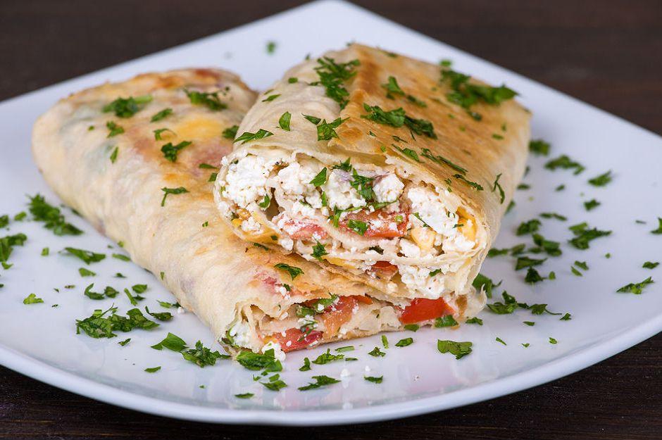 https://yemek.com/tarif/peynirli-borek/ | Peynirli Börek Tarifi