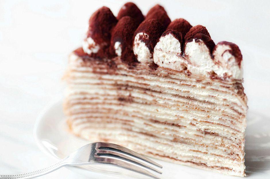 https://yemek.com/tarif/mille-crepe-cake/ | Tiramisulu Mille Crepes Cake Tarifi