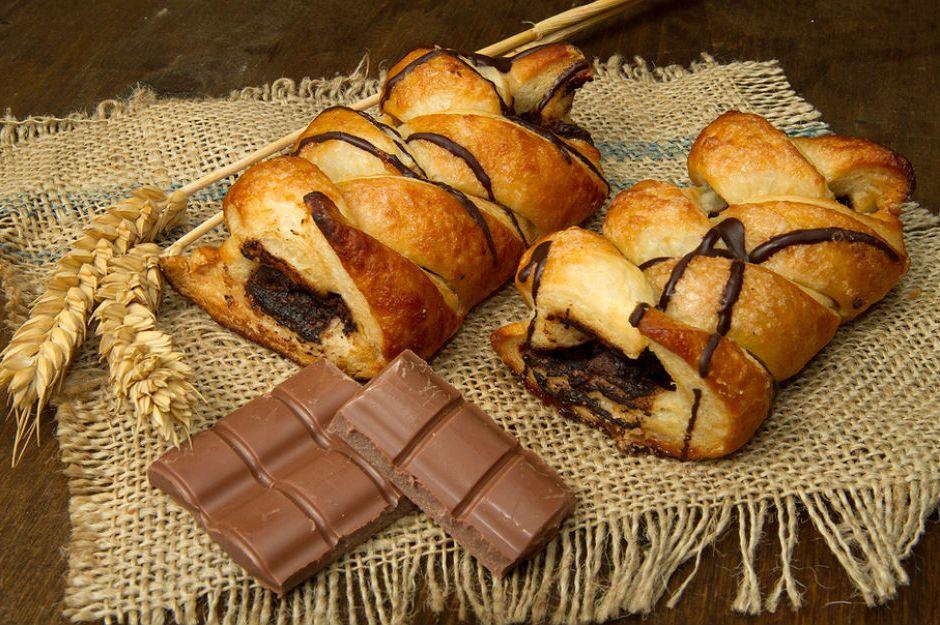 https://yemek.com/tarif/cikolatali-corek/ | Çikolatalı Çörek Tarifi