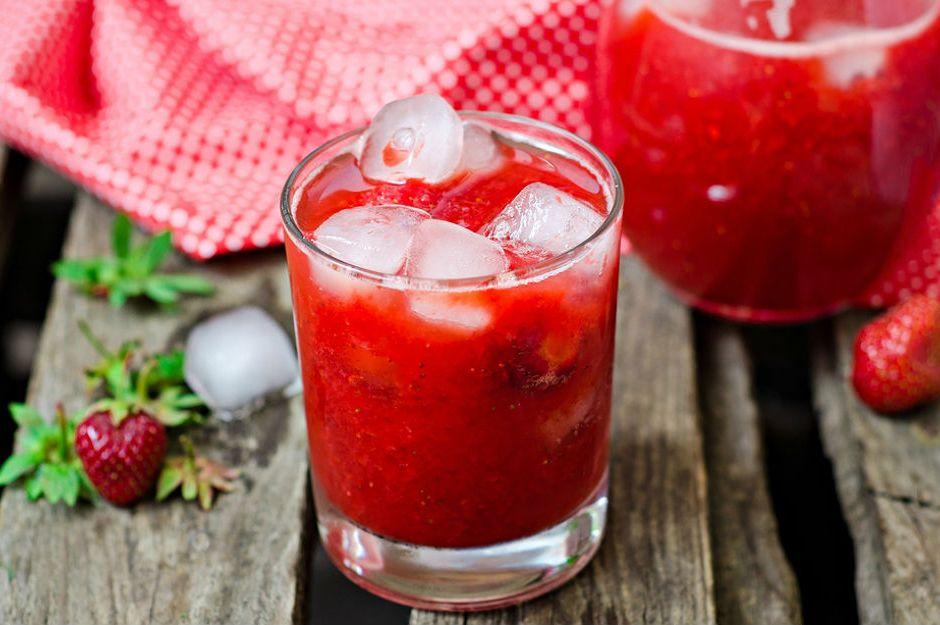 https://yemek.com/tarif/cilekli-limonata/  | Çilekli Limonata Tarifi