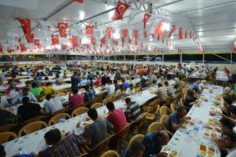 https://yemek.com/istanbul-iftar-cadirlari/#.V1U06pGLTIV | İstanbul İftar Çadılarları