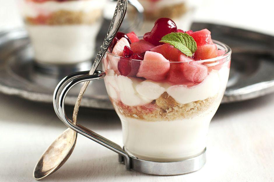 Meyveli Dondurmalı Cheesecake Tarifi