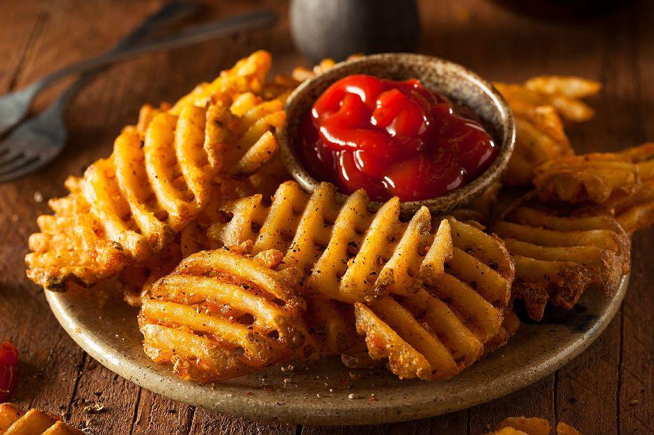https://yemek.com/tarif/patates-waffle/ | Patates Waffle Tarifi