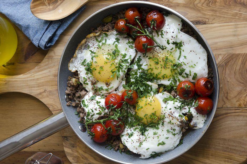https://yemek.com/tarif/kiymali-yumurta/ | Kıymalı Yumurta Tarifi