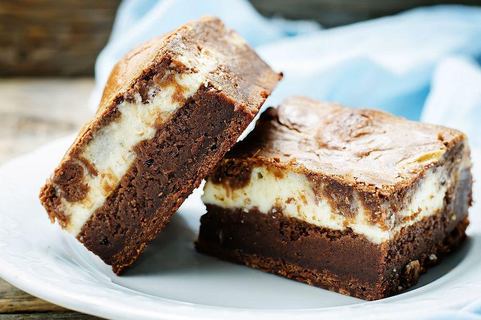 https://yemek.com/tarif/labne-peynirli-brownie/ | Labne Peynirli Brownie Tarifi