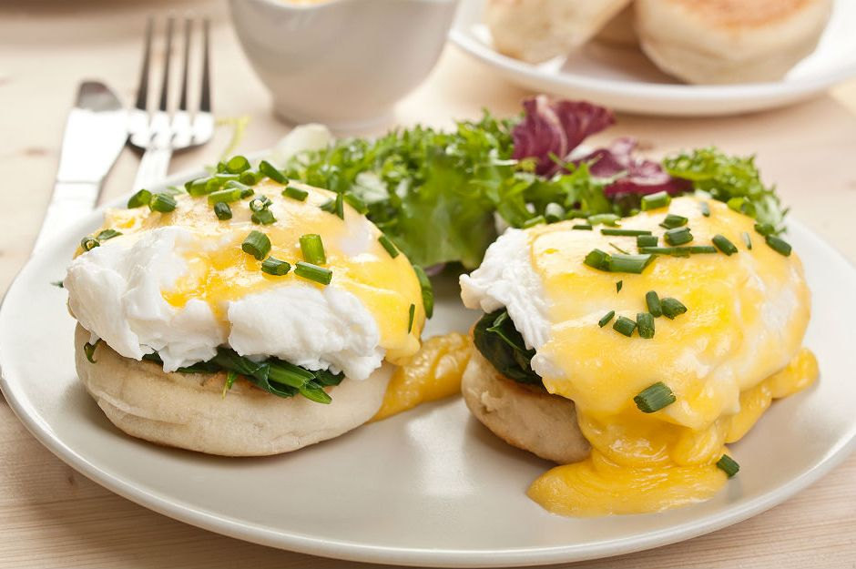 https://yemek.com/tarif/eggs-florentine/ | Eggs Florentine Tarifi