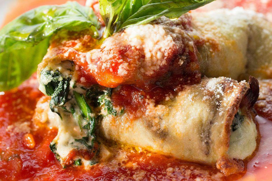 https://yemek.com/tarif/peynirli-patlican-rulolari/ | Peynirli Patlıcan Ruloları Tarifi