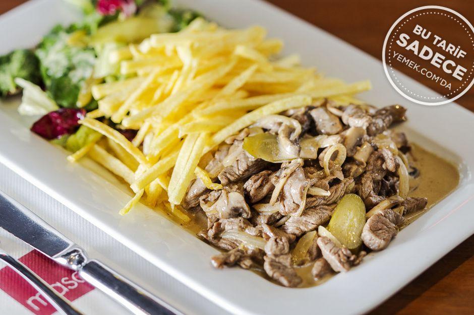 Beef Stroganoff Salatası