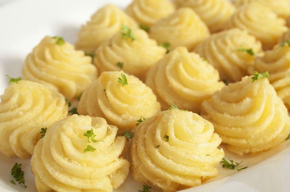 https://yemek.com/tarif/duses-patates/   Düşes Patates Tarifi