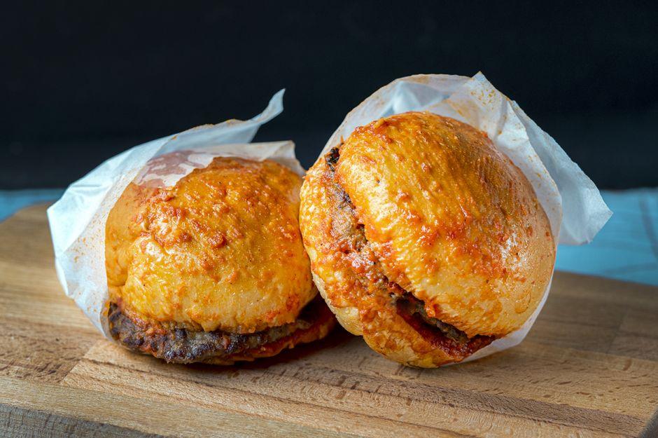 https://yemek.com/tarif/islak-hamburger/   Islak Hamburger Tarifi