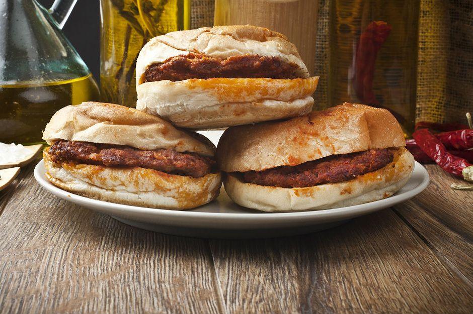 https://yemek.com/tarif/islak-hamburger/ | Islak Hamburger Tarifi