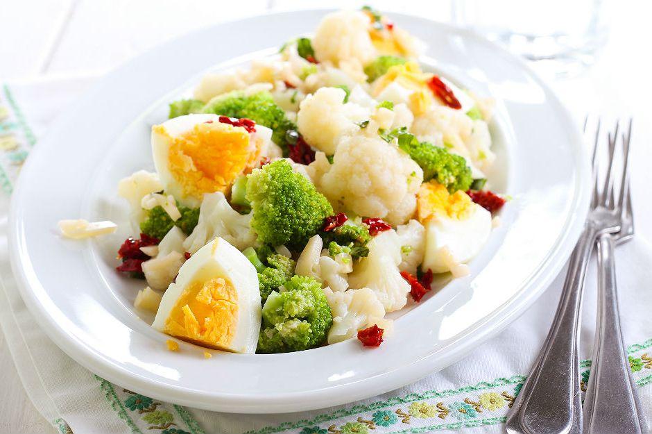 https://yemek.com/tarif/karnabahar-salatasi/ | Karnabahar Salatası Tarifi