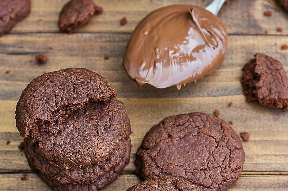 https://yemek.com/tarif/uc-malzemeli-nutellali-kurabiye/#.V06W4JGLTIU | Üç Malzemeli Nutellalı Kurabiye