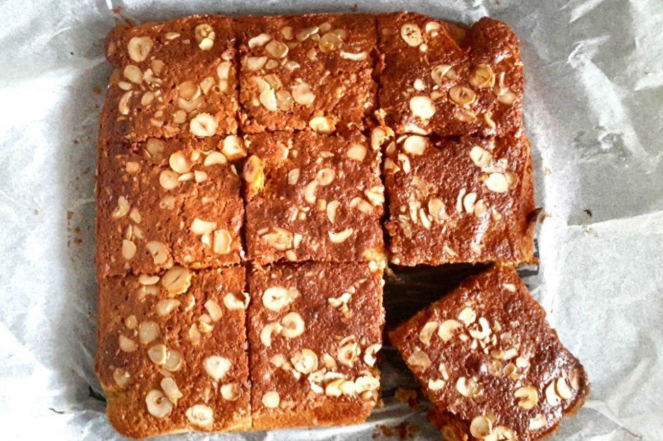 https://yemek.com/tarif/muzlu-glutensiz-kek/ | Muzlu Glutensiz Kek Tarifi