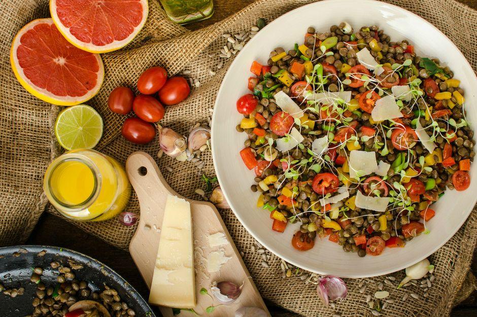 Kabuklu Ilık Mercimek Salatası