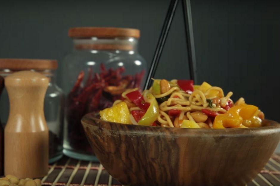 yer fıstıklı ananaslı noodle