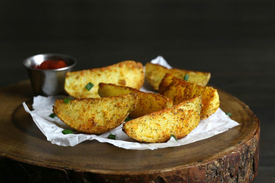 https://yemek.com/tarif/firinda-baharatli-patates/ | Fırında Baharatlı Patates Tarifi