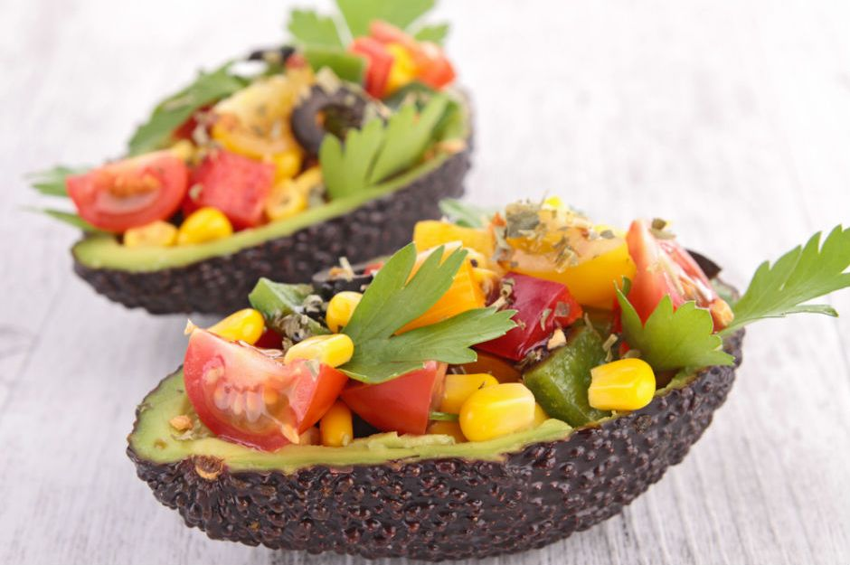 https://yemek.com/tarif/avokado-salatasi/#.V9u0gZiLTIV | Avokado Salatası Tarifi