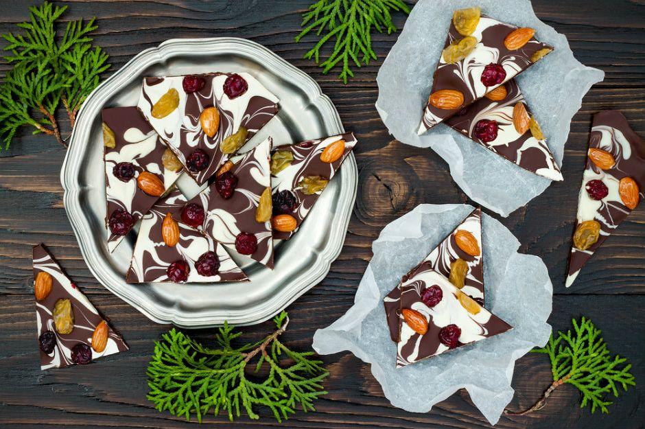 http://yemek.com/tarif/ev-yapimi-cikolata/  | Ev Yapımı Çikolata