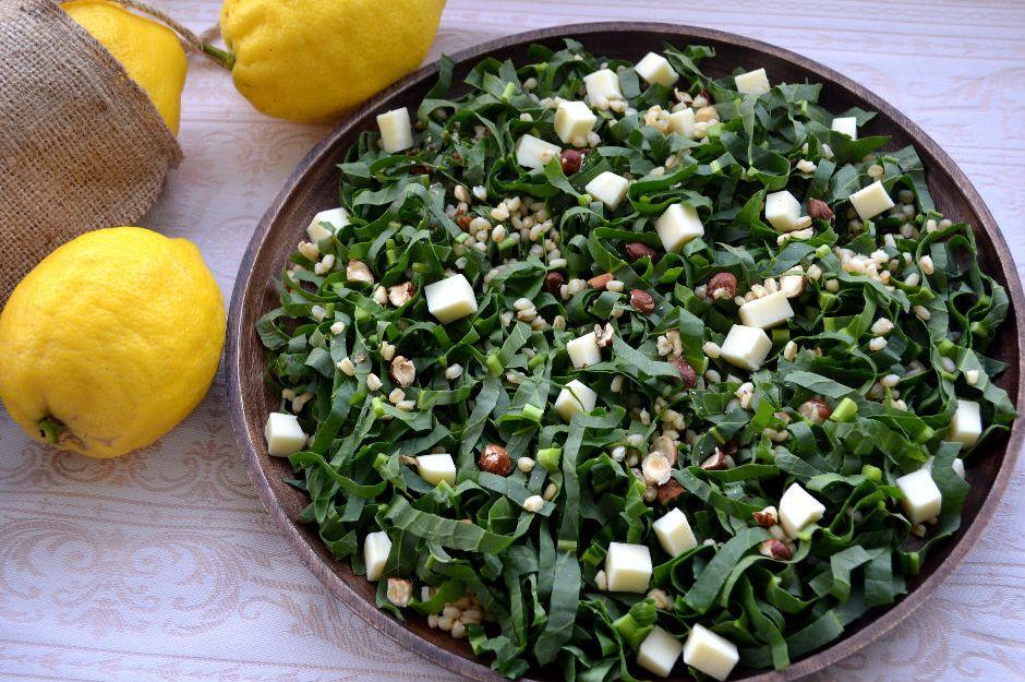 http://yemek.com/tarif/labada-salatasi | Labada Salatası Tarifi