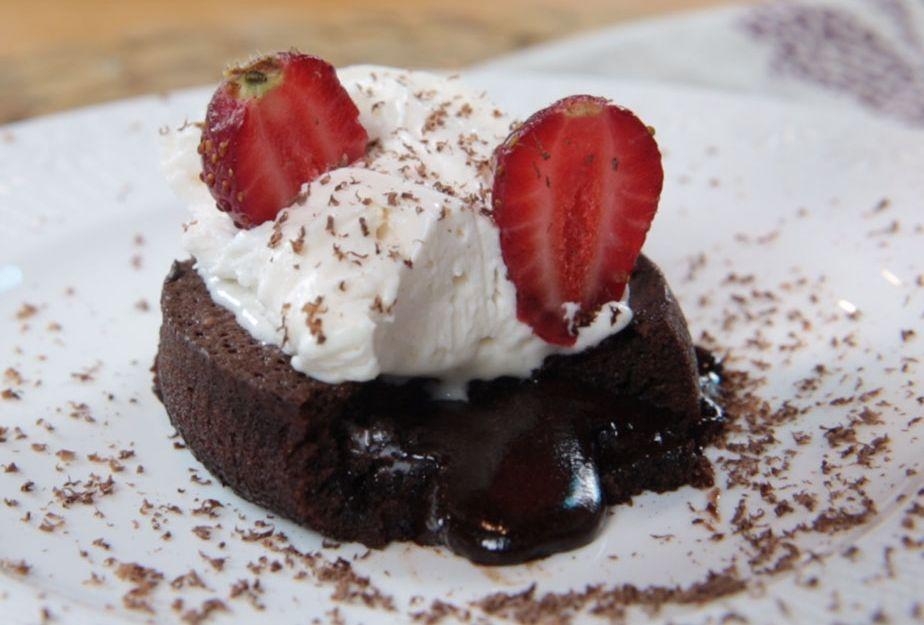 Yoğun Çikolatalı Kek Tarifi