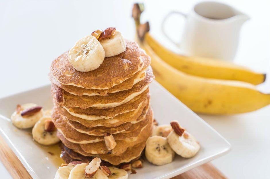 https://yemek.com/tarif/sekersiz-muzlu-pancake | Şekersiz Muzlu Pancake Tarifi
