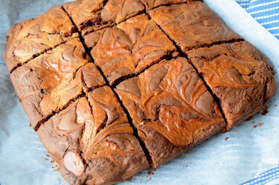 https://yemek.com/tarif/fistik-ezmeli-brownie | Fıstık Ezmeli Brownie Tarifi
