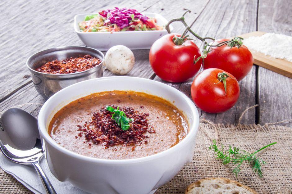 http://yemek.com/tarif/kiymali-tarhana-corbasi | Kıymalı Tarhana Çorbası Tarifi