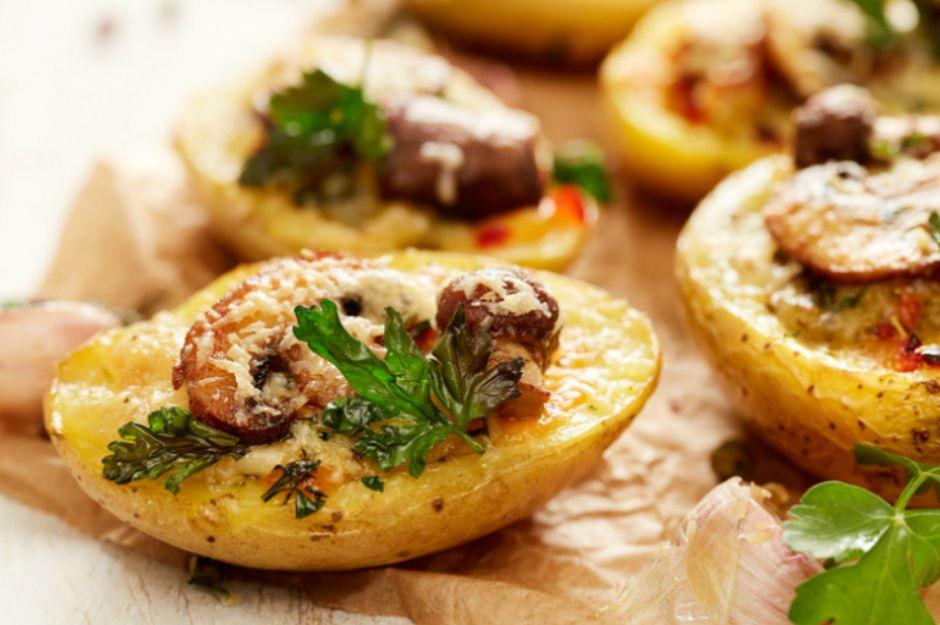 https://yemek.com/tarif/patates-yataginda-mantar | Patates Yatağında Mantar Tarifi