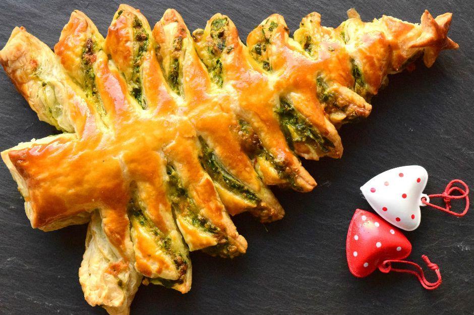 https://yemek.com/tarif/ispanakli-cam-agaci-milfoy | Ispanaklı Çam Ağacı Milföy Tarifi