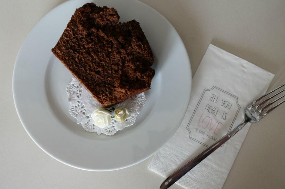 Muzlu Yoğun Çikolatalı Kek Tarifi