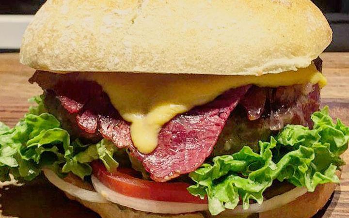 https://yemek.com/tarif/gurme-burger | Gurme Burger Tarifi