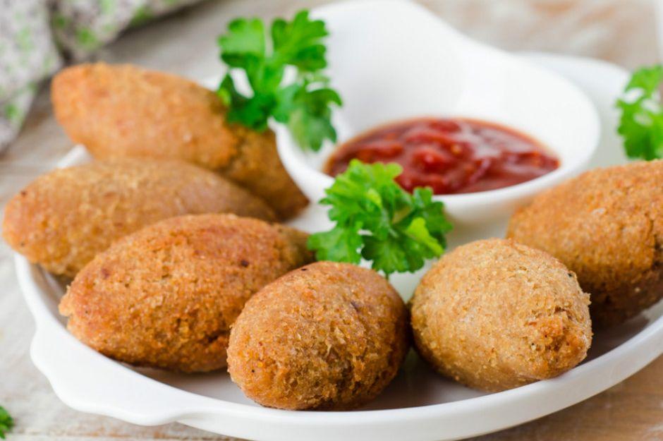 https://yemek.com/tarif/patatesli-icli-kofte | Patatesli İçli Köfte Tarifi
