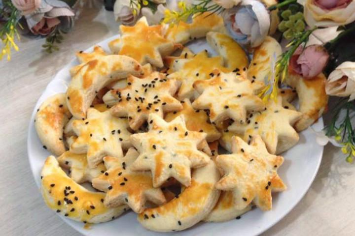https://yemek.com/tarif/tatli-tuzlu-kurabiye | Tatlı Tuzlu Kurabiye Tarifi